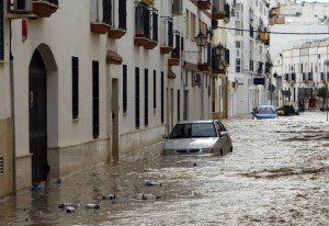 Calle inundada en cija