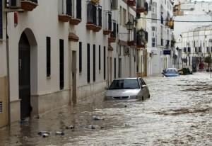 Calle inundada en Écija