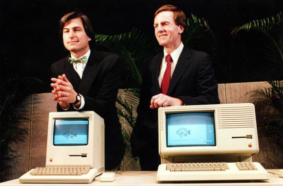 Steve Jobs (izquierda) y John Sculley (derecha), en su época en Apple
